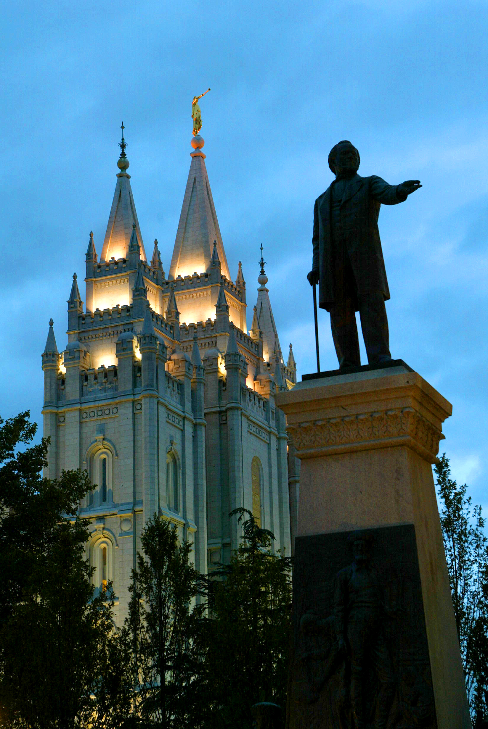 Brigham Young's statue in the foreground of the Salt lake City Temple, Oct. 4, 2002. Photo by Tom Smart (Submission date: 10/04/2002)