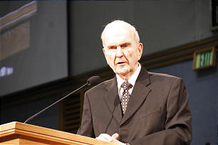 Elder Russell M. Nelson of the quorum of the twelve at the pulpit.
