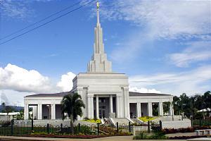 The rebuilt Apia Samoa Temple was dedicated Sunday by President Gordon B. Hinckley.