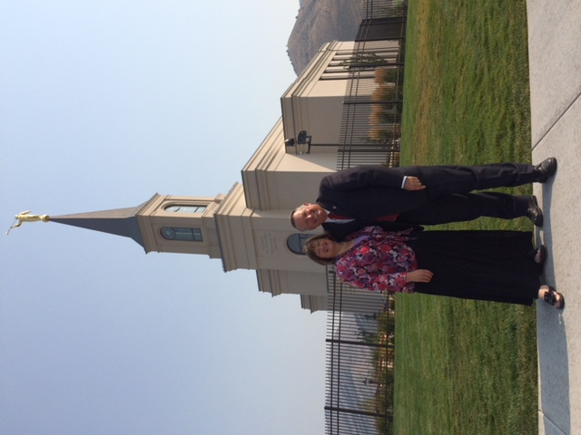 Val Bagley and his wife, Ruth, in front of the Star Valley Wyoming Temple, where they are ordinance workers.