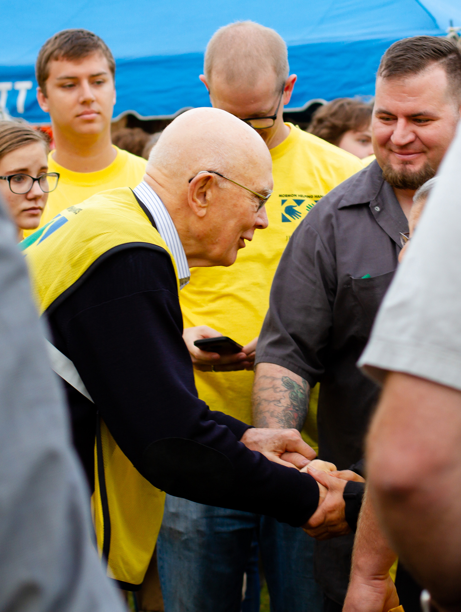 President Dallin H. Oaks, first counselor in the First Presidency, greets and man after traveling to Florida and North Carolina this weekend to meet with Latter-day Saints and residents impacted by Hurricane Florence.