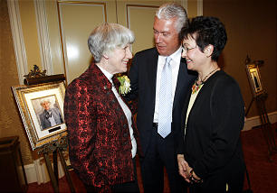 Pamela Atkinson, left, visits with President Dieter F. Uchtdorf, second counselor in the First Presidency, and his wife, Sister Harriet Uchtdorf. Ms. Atkinson was honored May 3 by the BYU Management Society as a Distinguished Utahn.