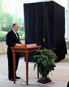Elder Richard G. Hinckley of the Seventy speaks at the unveiling of an exhibit that features a 1:32 scale replica of the Salt Lake Temple in the South Visitors Center on Temple Square.
