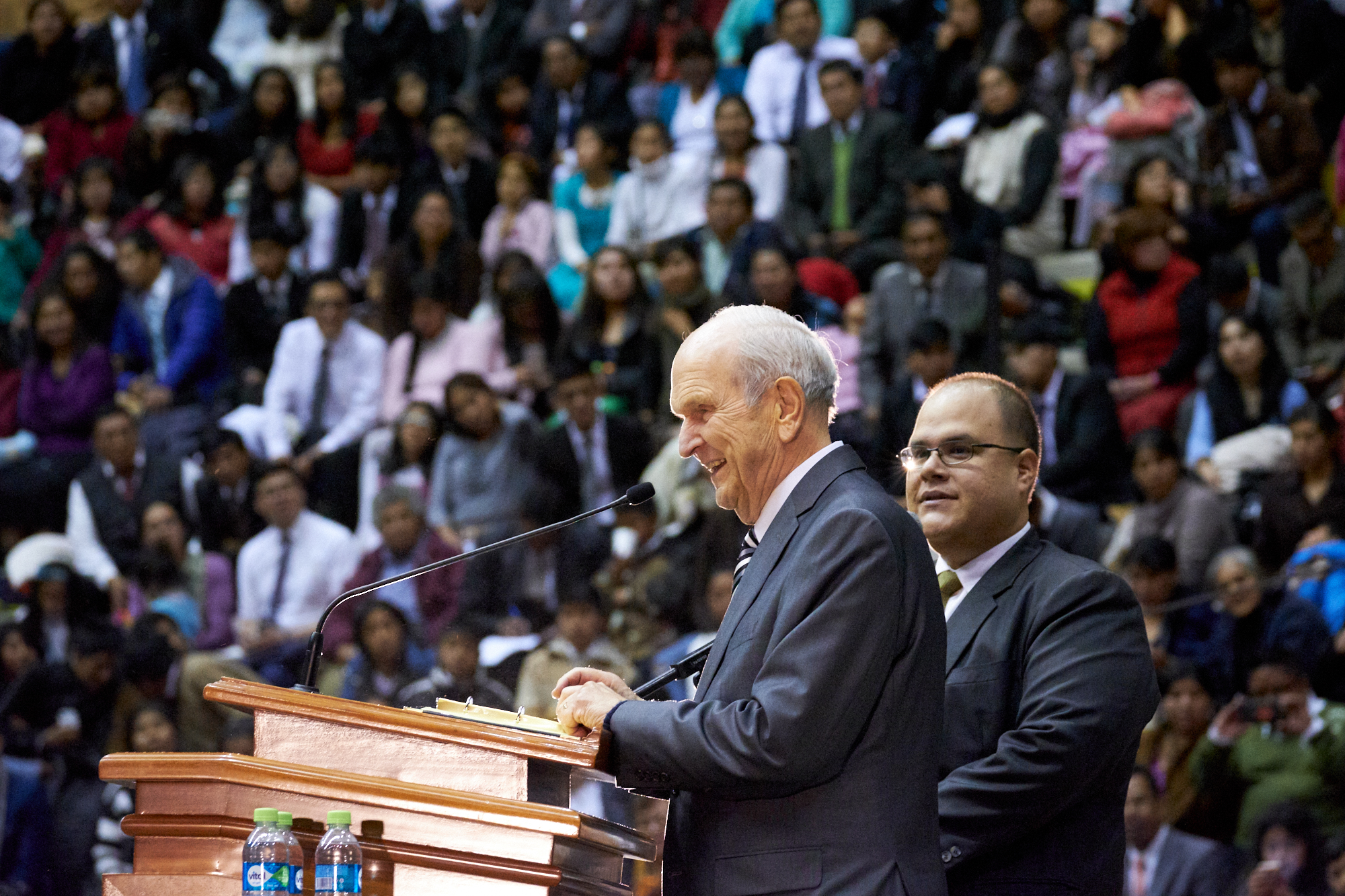 Thousands of Latter-day Saints in Bolivia were able to hear their prophet, President Russell M. Nelson, during a Sunday devotional, Oct. 21, 2018, in the Polideportivo Heroes de Octobre in El Alto, Bolivia.