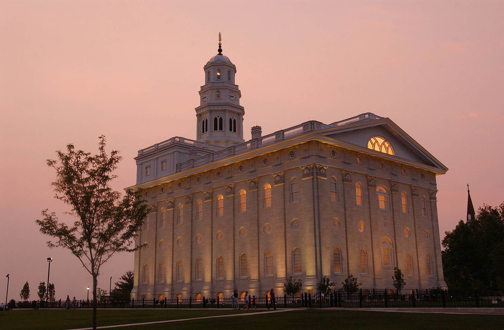 Nauvoo Temple June 22nd, 2002. Allred/photo (Submission date: 06/23/2002)