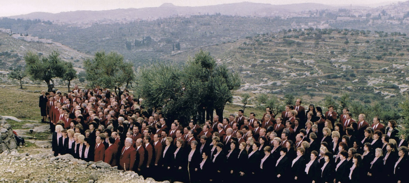 The Tabernacle Choir prepares to sing in Shepherds' Field during the filming of a documentary in January 1993.