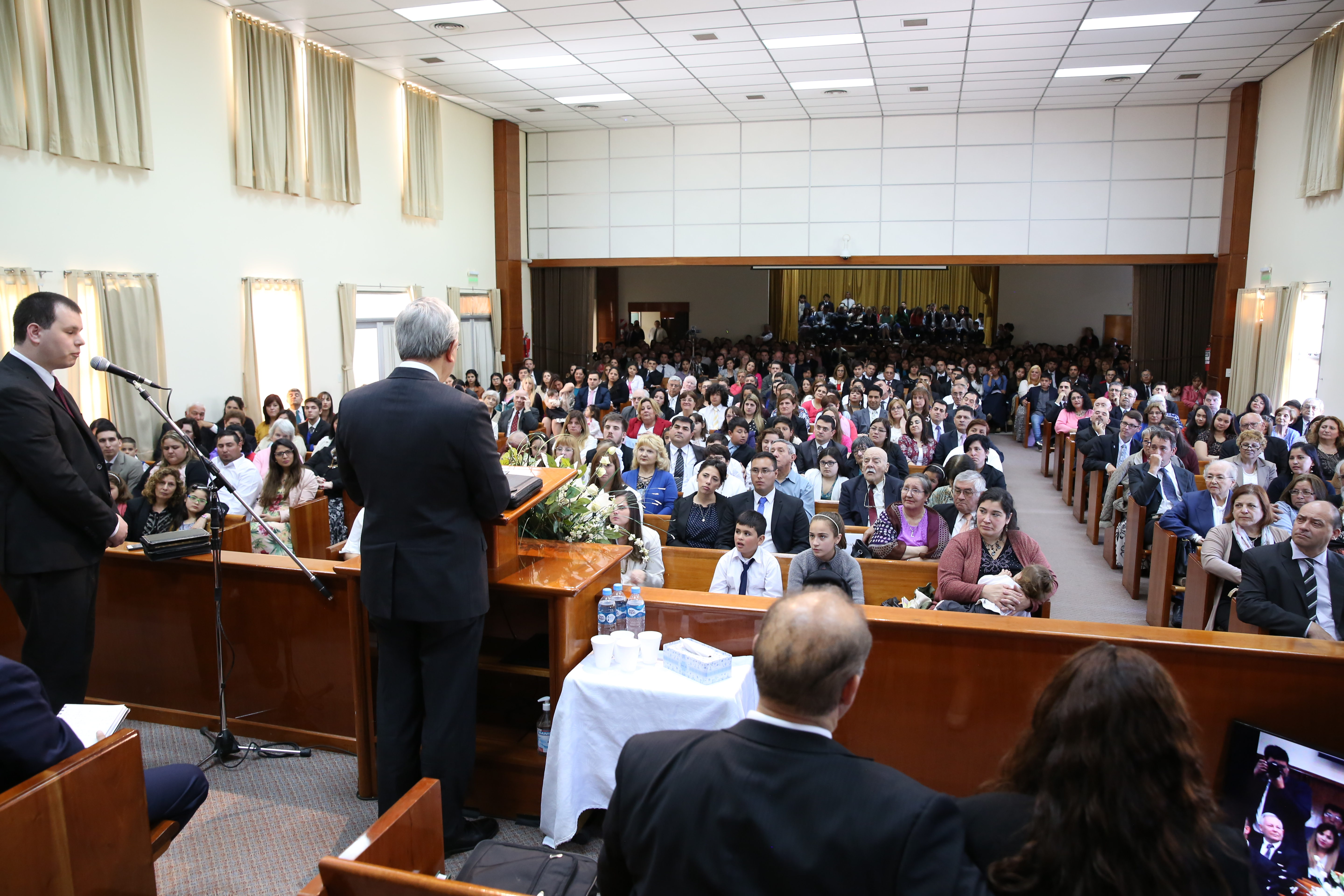 Elder Gong speaks at a stake conference in the Argentina Bahia Blanca Stake on Nov. 18.