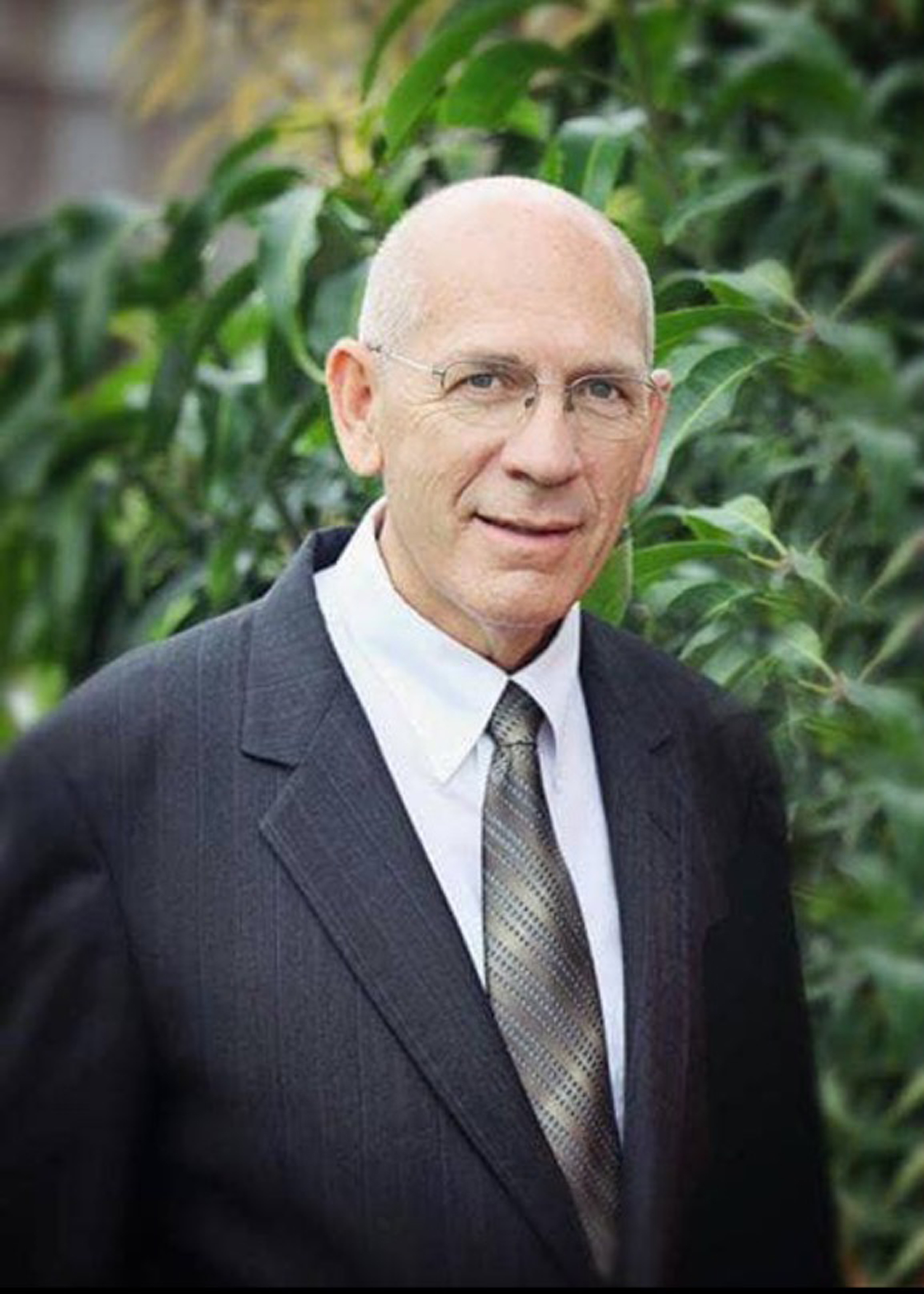 """Mel J. Palmer, who worked as a high school seminary teacher and now serves in The Gila Valley Arizona Temple presidency, was the """"most influential teacher"""" in the life of one of his student's, Elder K. Mark Frost."""