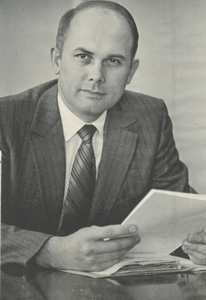 Utah Supreme Court Justice Dallin Oaks became an apostle in The Church of Jesus Christ of Latter-day Saints. Oaks, 51, was named to the high court in 1980 after serving nine years as president of the Church-owned Brigham Young University. He will become a member of the Church's Quorum of the Twelve Apostles.