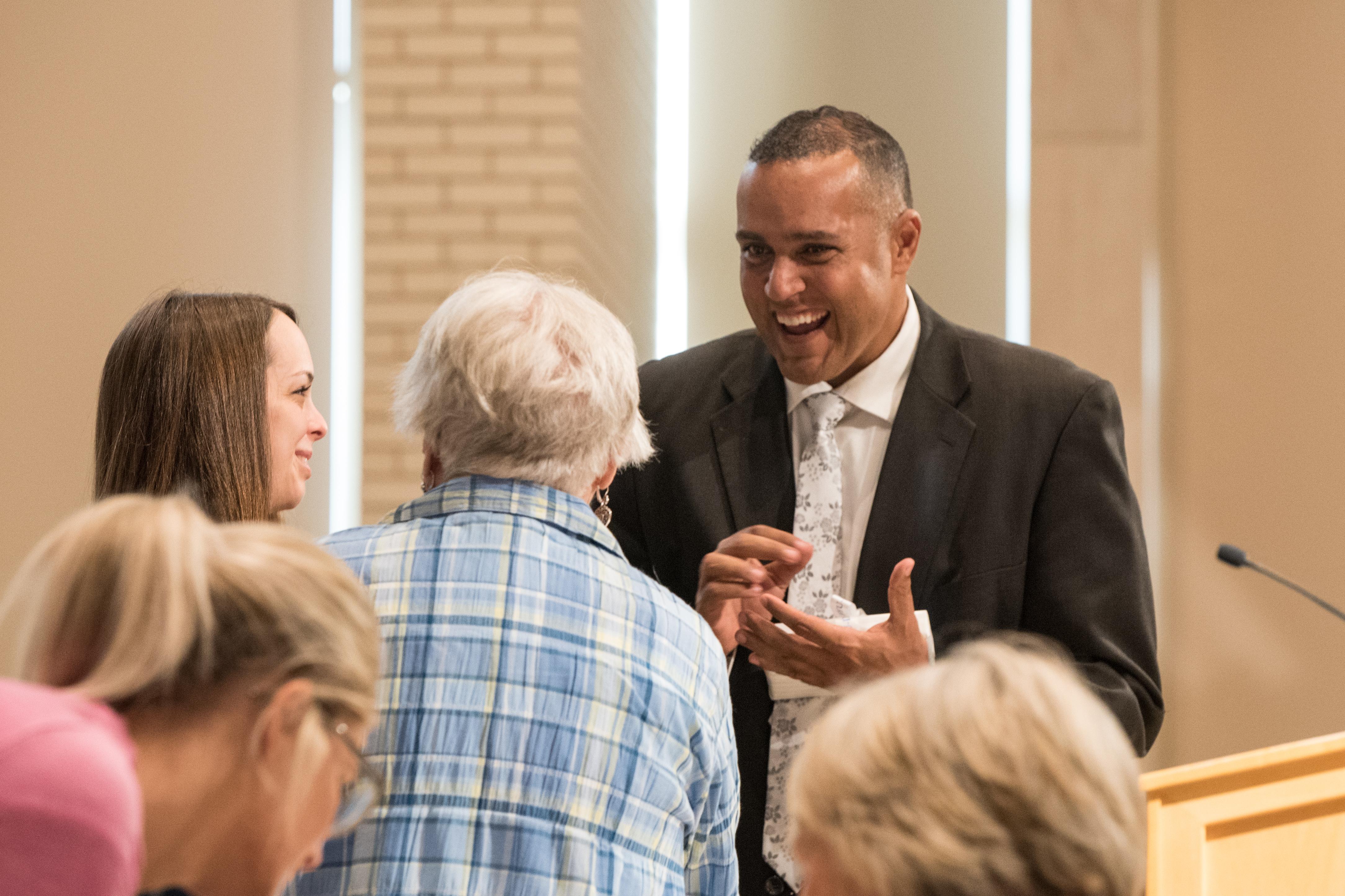 Keynote speaker Eric Richards talks to attendees at BYU-Idaho Education Week.
