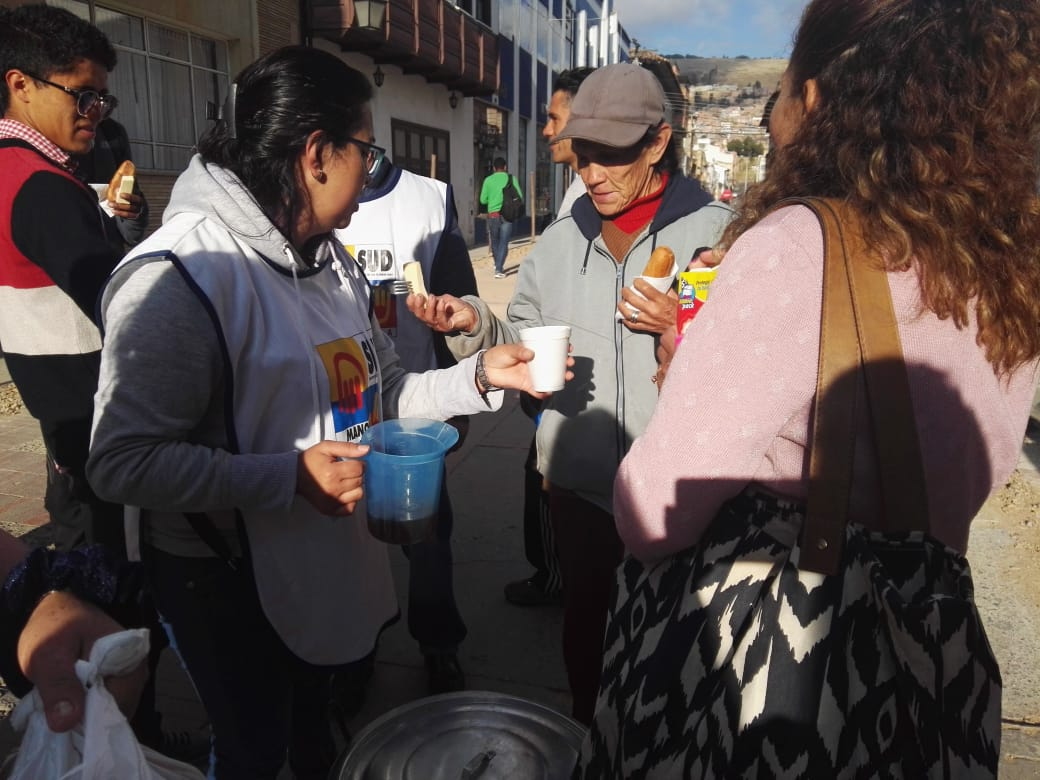 "Latter-day Saint ""Helping Hands"" volunteers serve breakfast to Venezuelan refugees in Tunja, Colombia."