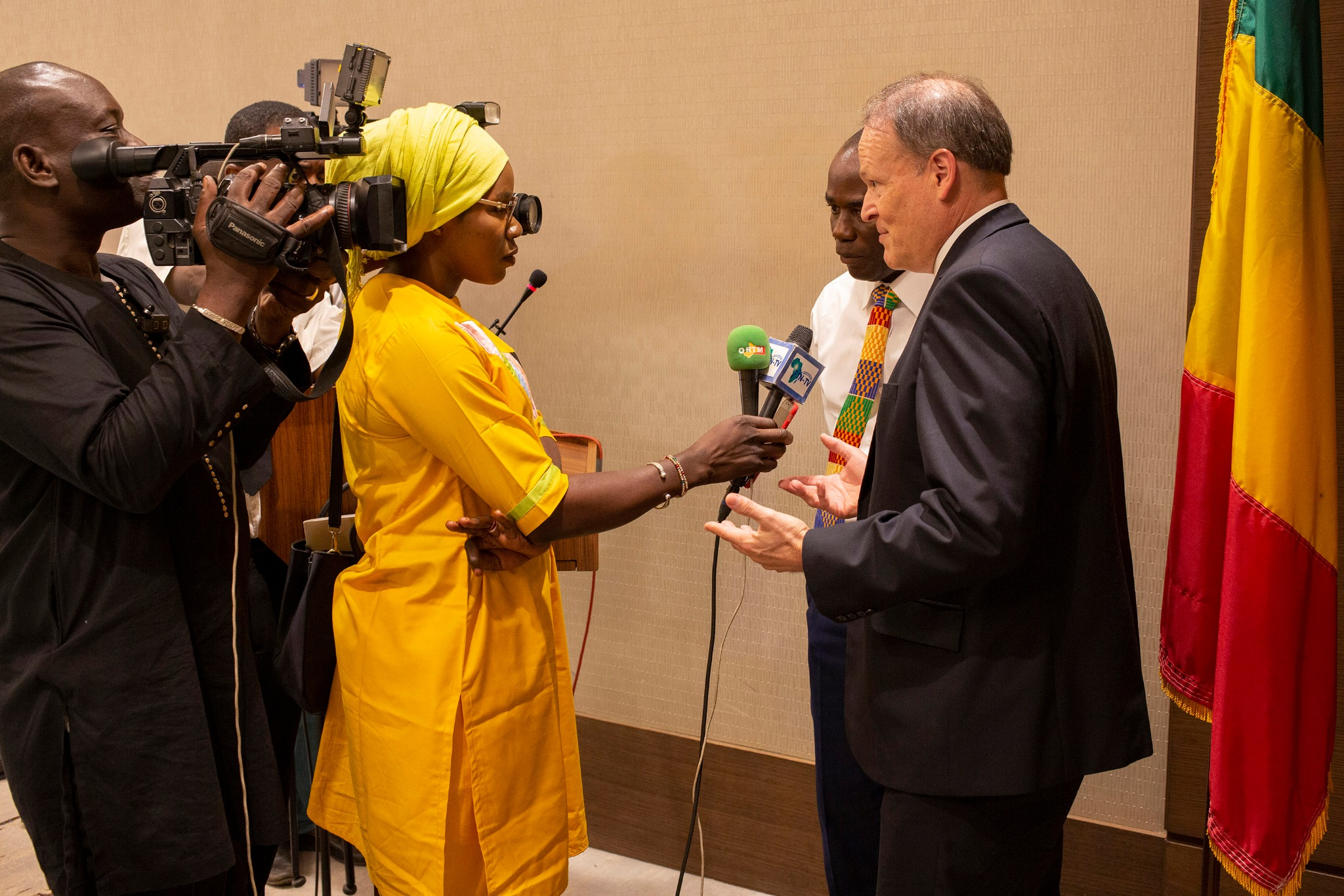 Elder Marcus B. Nash, General Authority Seventy and president of the Africa West Area, speaks to reporters after the meeting on Sept. 12, 2019, in Mali.