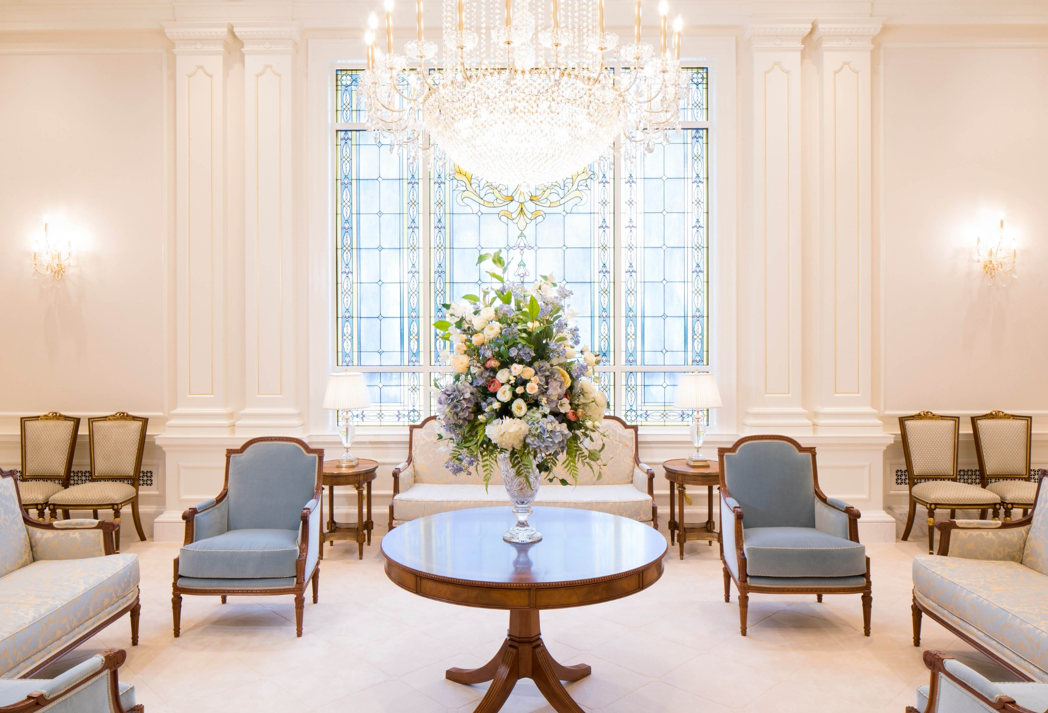 The celestial room in the Raleigh North Carolina Temple.