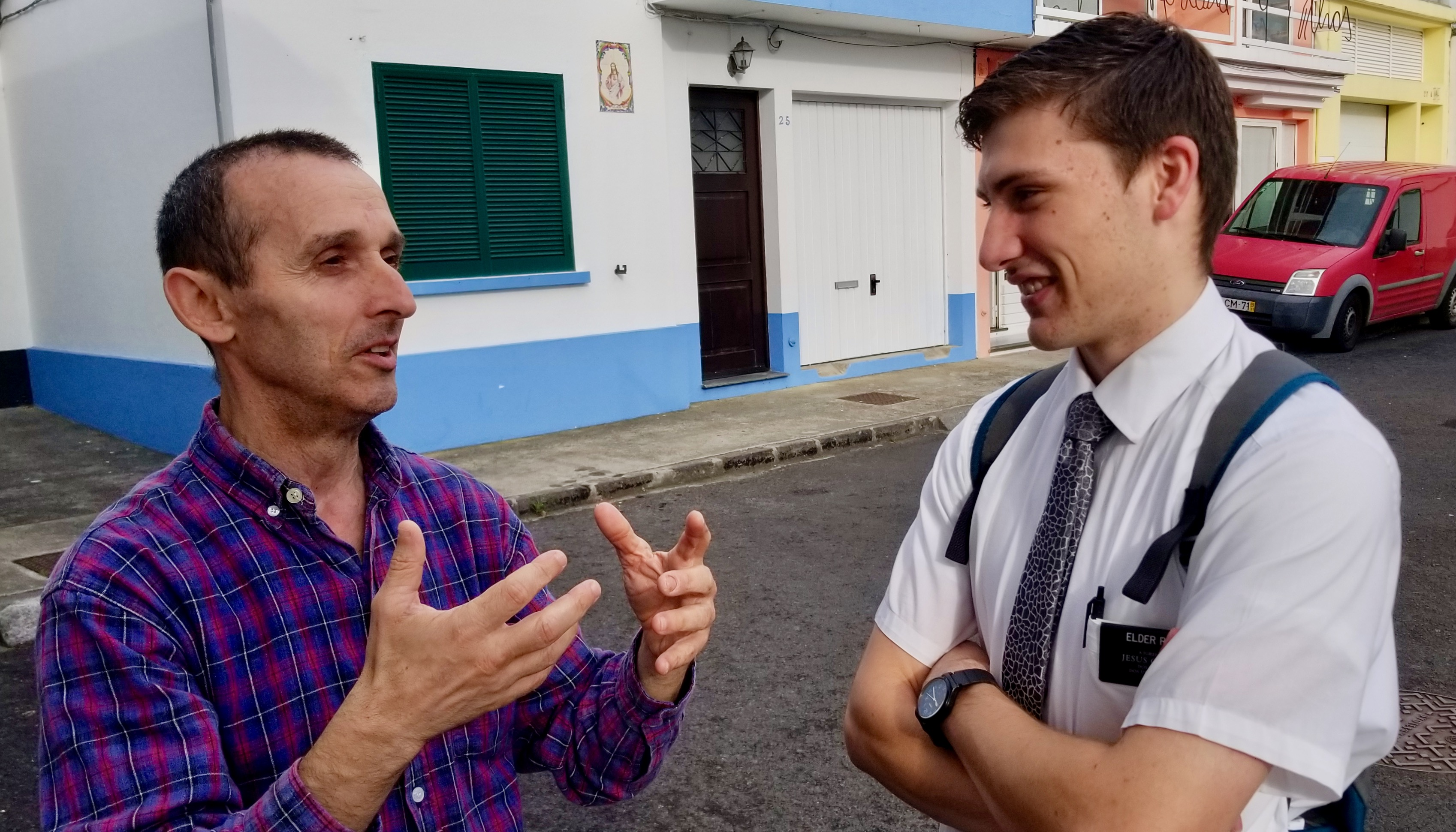 President Ricardo Resendez of the Ribeira Grande Branch, visits with Elder Matthew Ethan Rhea of the Portugal Lisbon Mission, serving on São Miguel Island in the Azores, on Sept. 17, 2019.