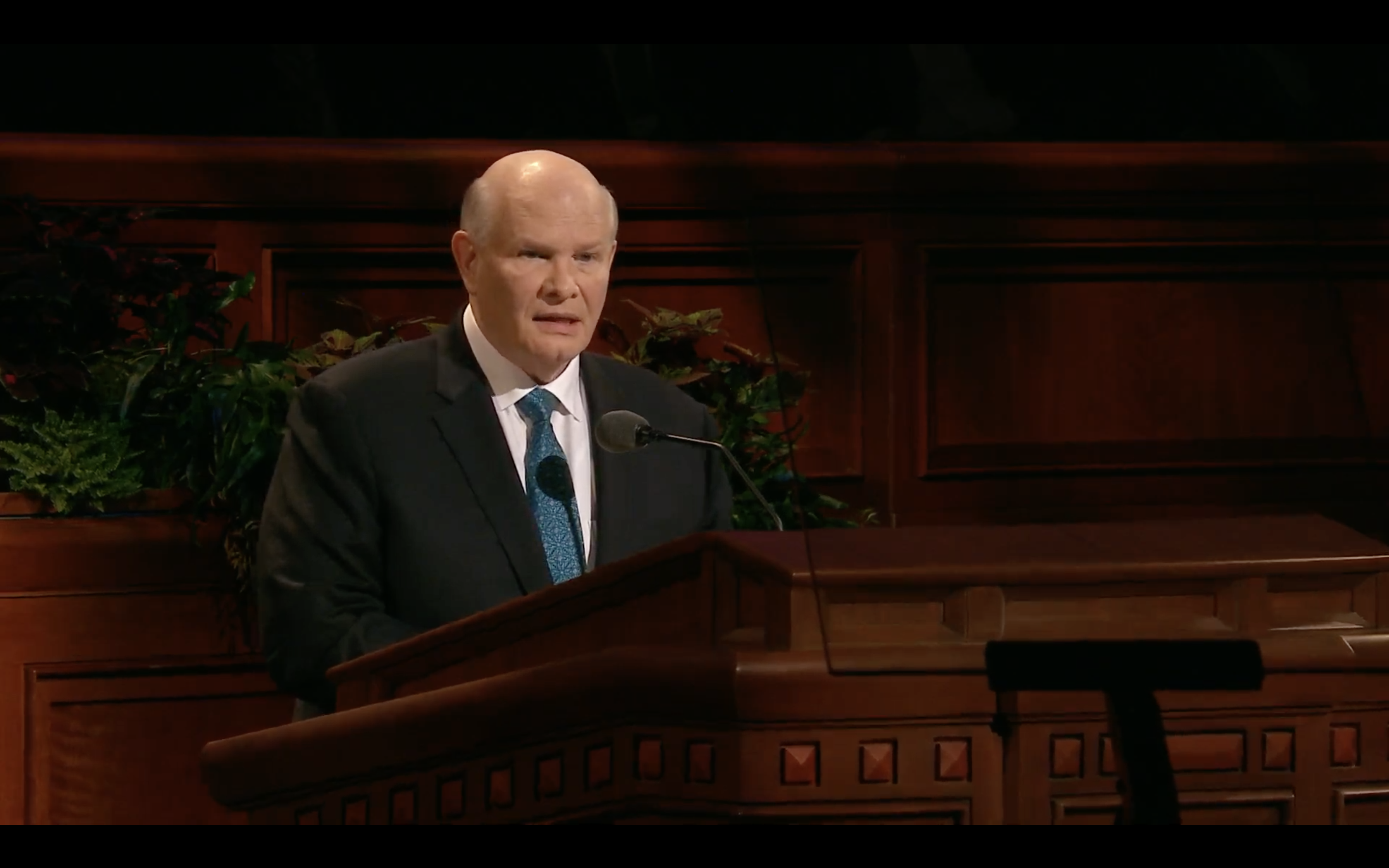 Elder Dale G. Renlund of the Quorum of the Twelve Apostles speaks during the Saturday morning session in the 189th Semiannual General Conference of the Church on Oct. 5, 2019.