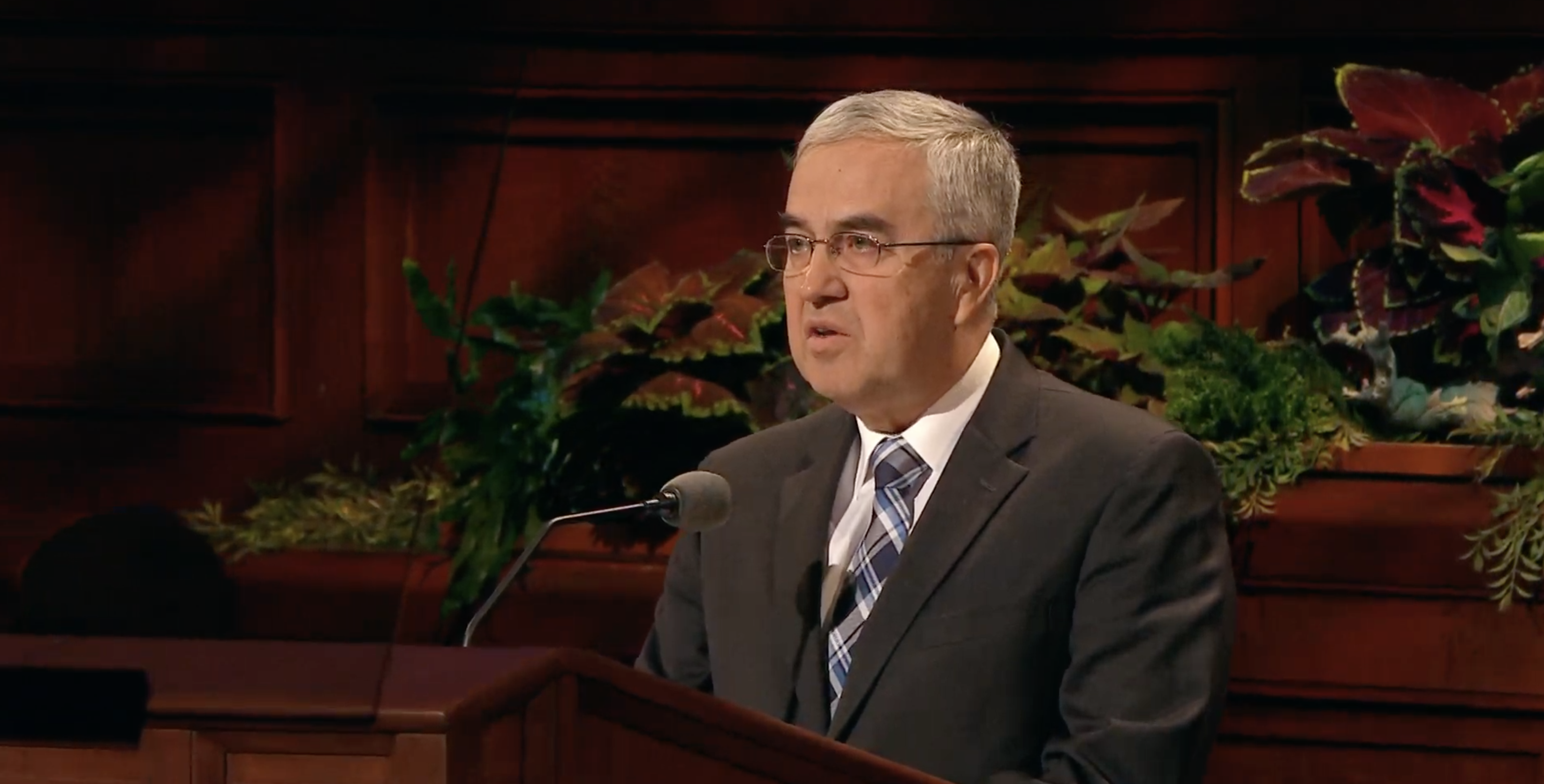 Elder Walter F. Gonzalez, a General Authority Seventy, speaks during the Sunday morning session in the 189th Semiannual General Conference of the Church on Oct. 6, 2019.