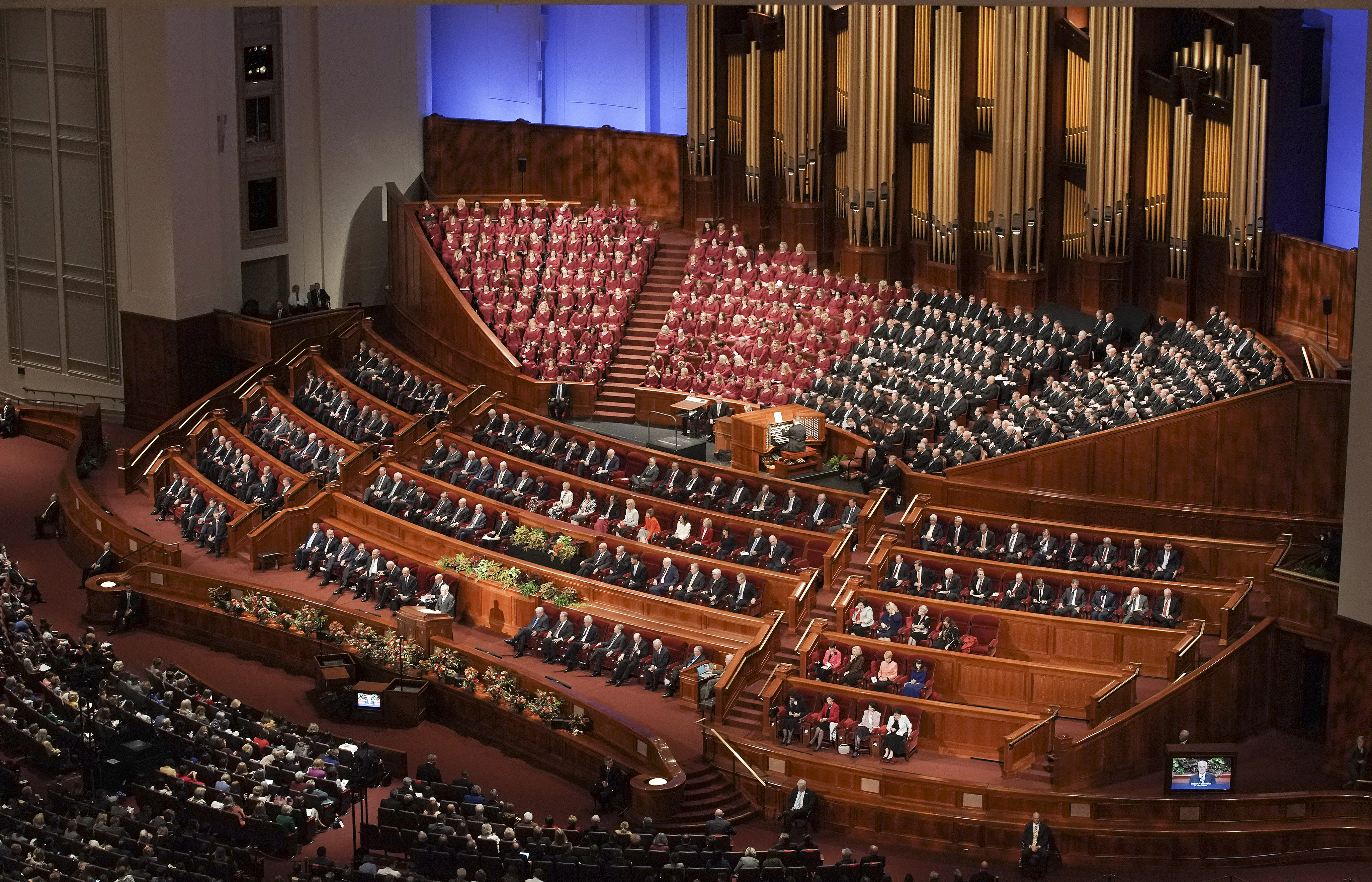 Church leaders and conferencegoers sing during the Sunday morning session of the 189th Semiannual General Conference of The Church of Jesus Christ of Latter-day Saints in Salt Lake City on Sunday, Oct. 6, 2019.