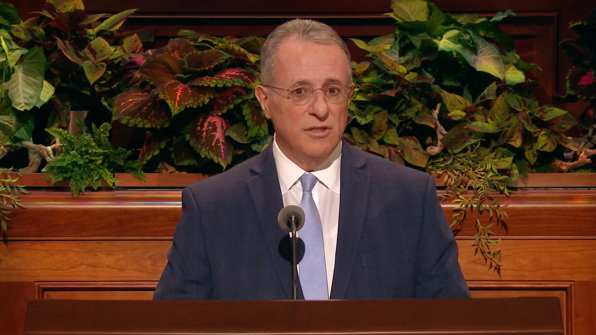 Elder Ulisses Soares of the Quorum of the Twelve Apostles speaks during the Sunday afternoon session in the 189th Semiannual General Conference of the Church on Sunday, Oct. 6, 2019.