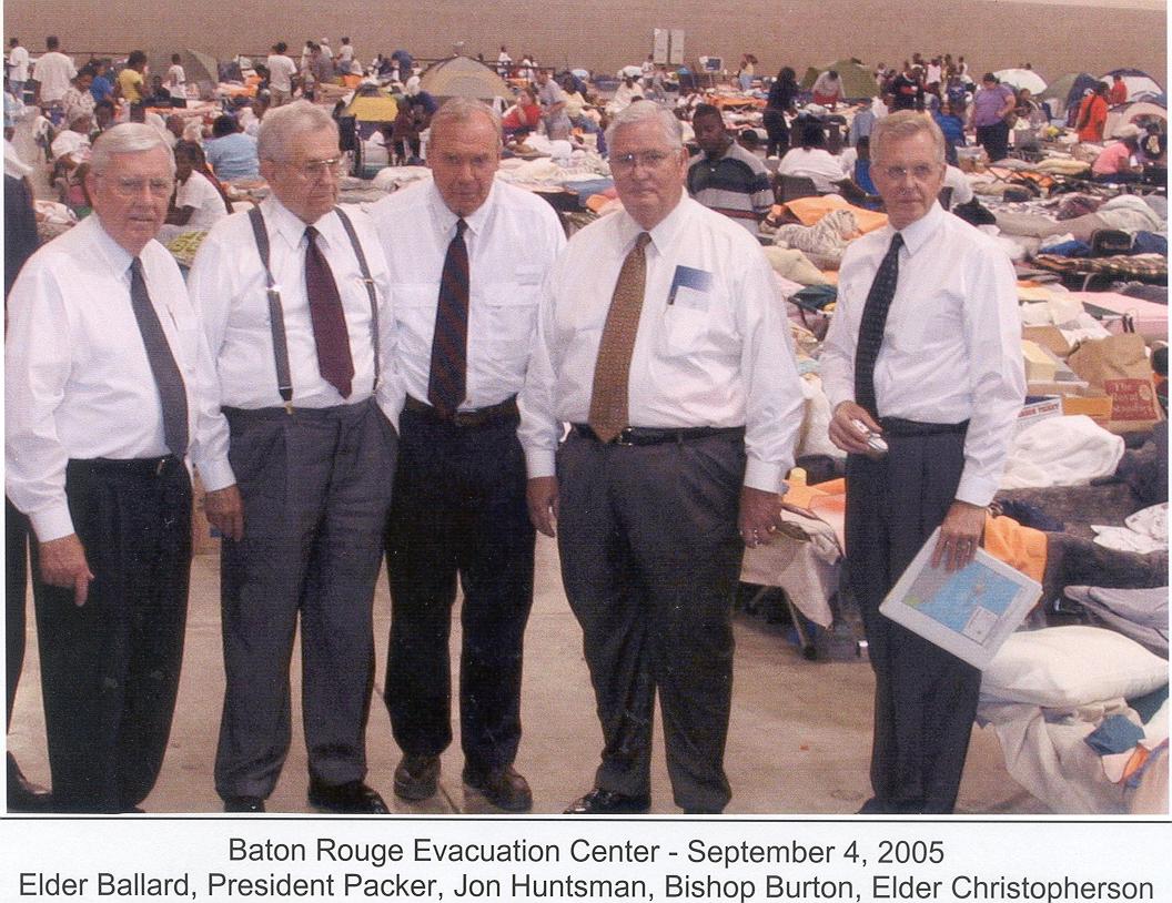 Elder M. Russell Ballard, President Boyd K. Packer, Jon M. Huntsman Sr., Bishop H. David Burton, and Elder D. Todd Christofferson at the Baton Rouge Evacuation Center on Sept. 4, 2005.