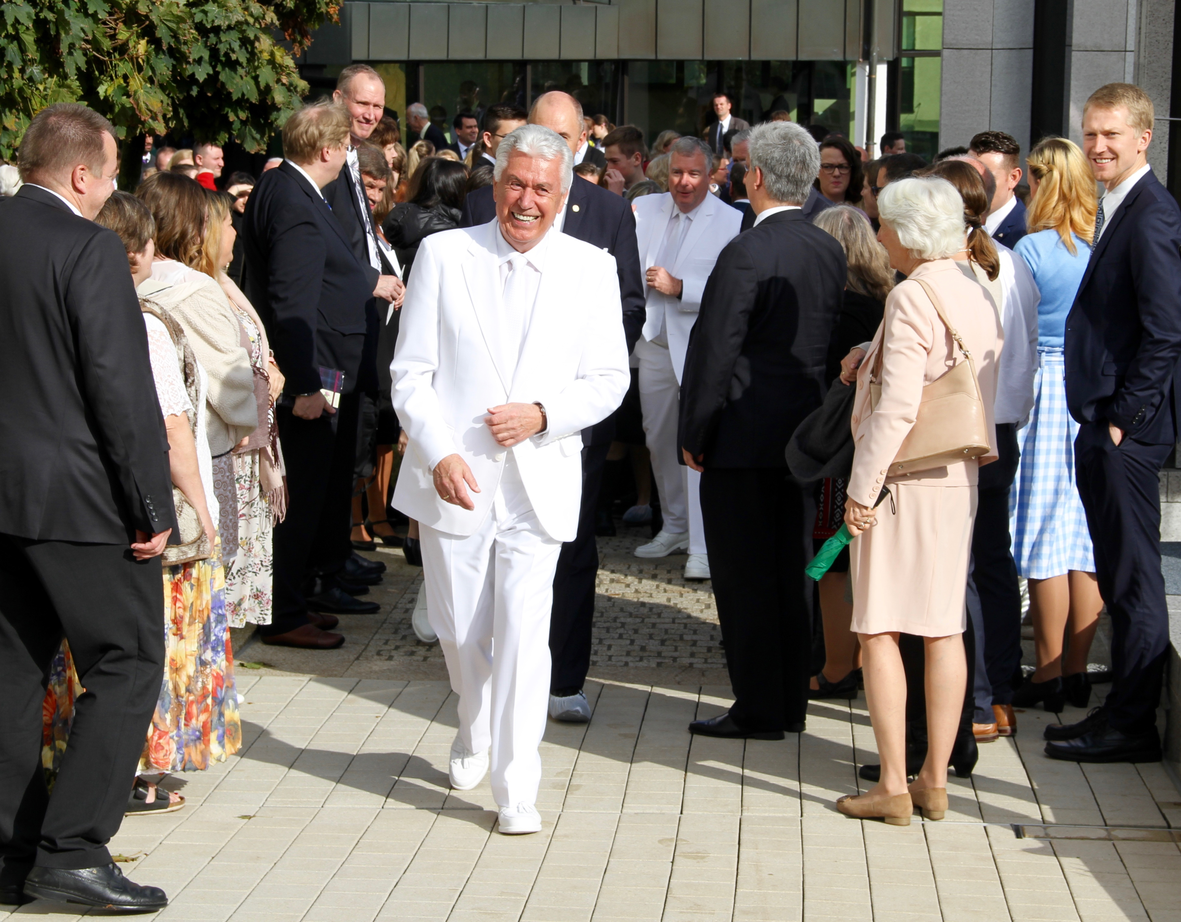 Why Elder Uchtdorf says the rededicated Frankfurt Germany Temple is 'a symbol of unity'