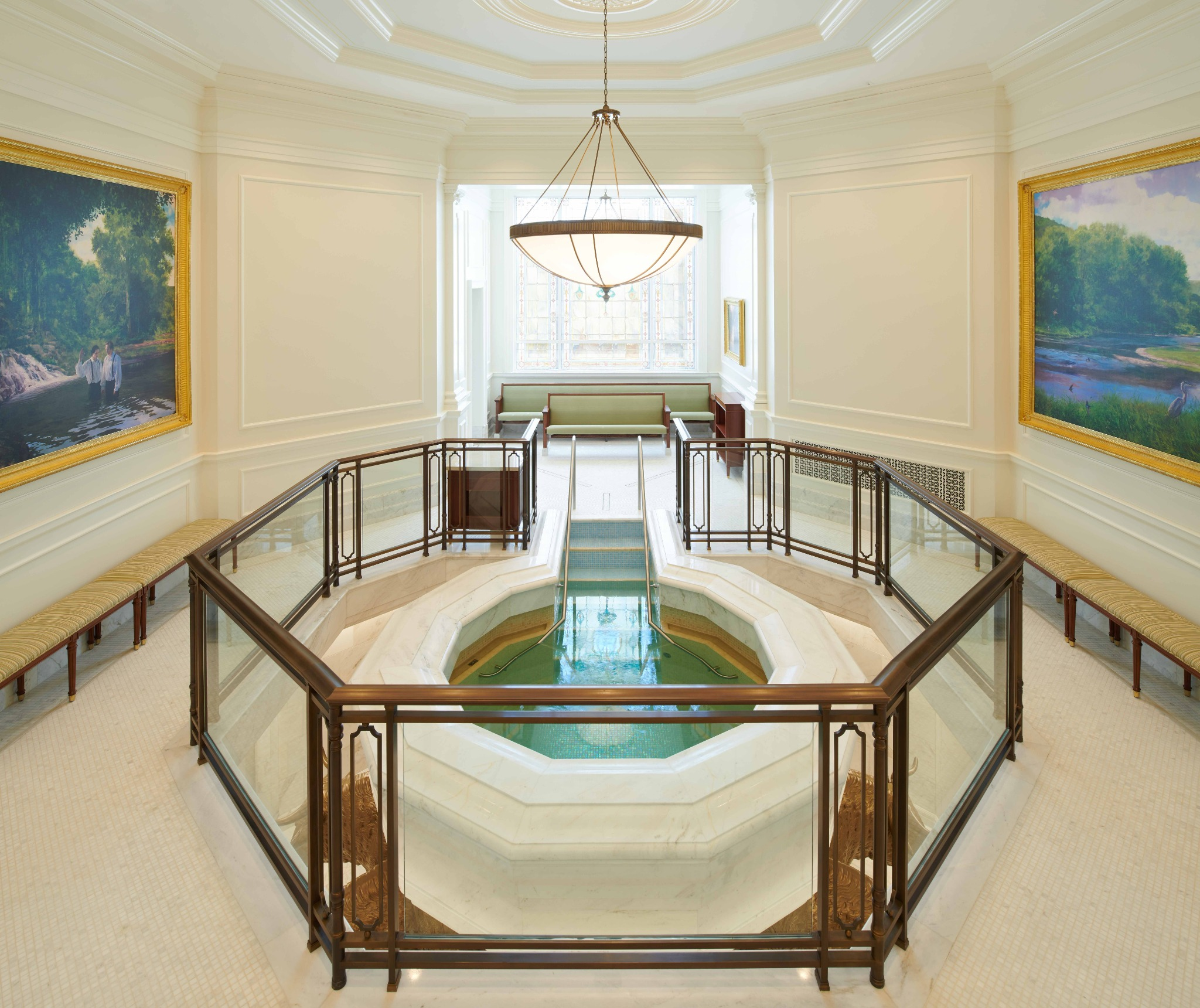 The baptistry in the Baton Rouge Louisiana Temple.