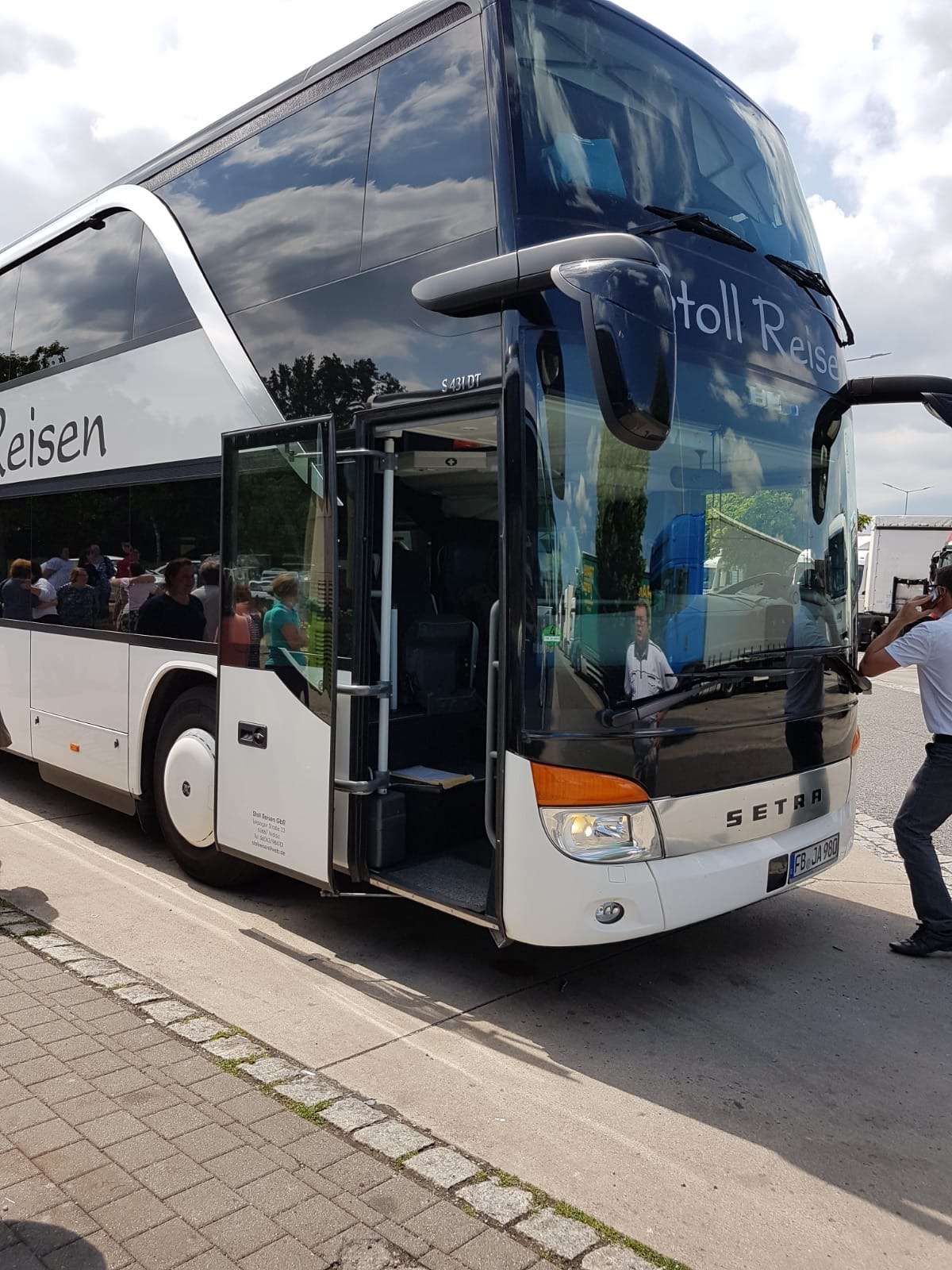 Sisters of the Friedrichsdorf Germany Stake traveled by double-decker bus to attend the Freiberg Germany Temple during their May 2018 temple trip.