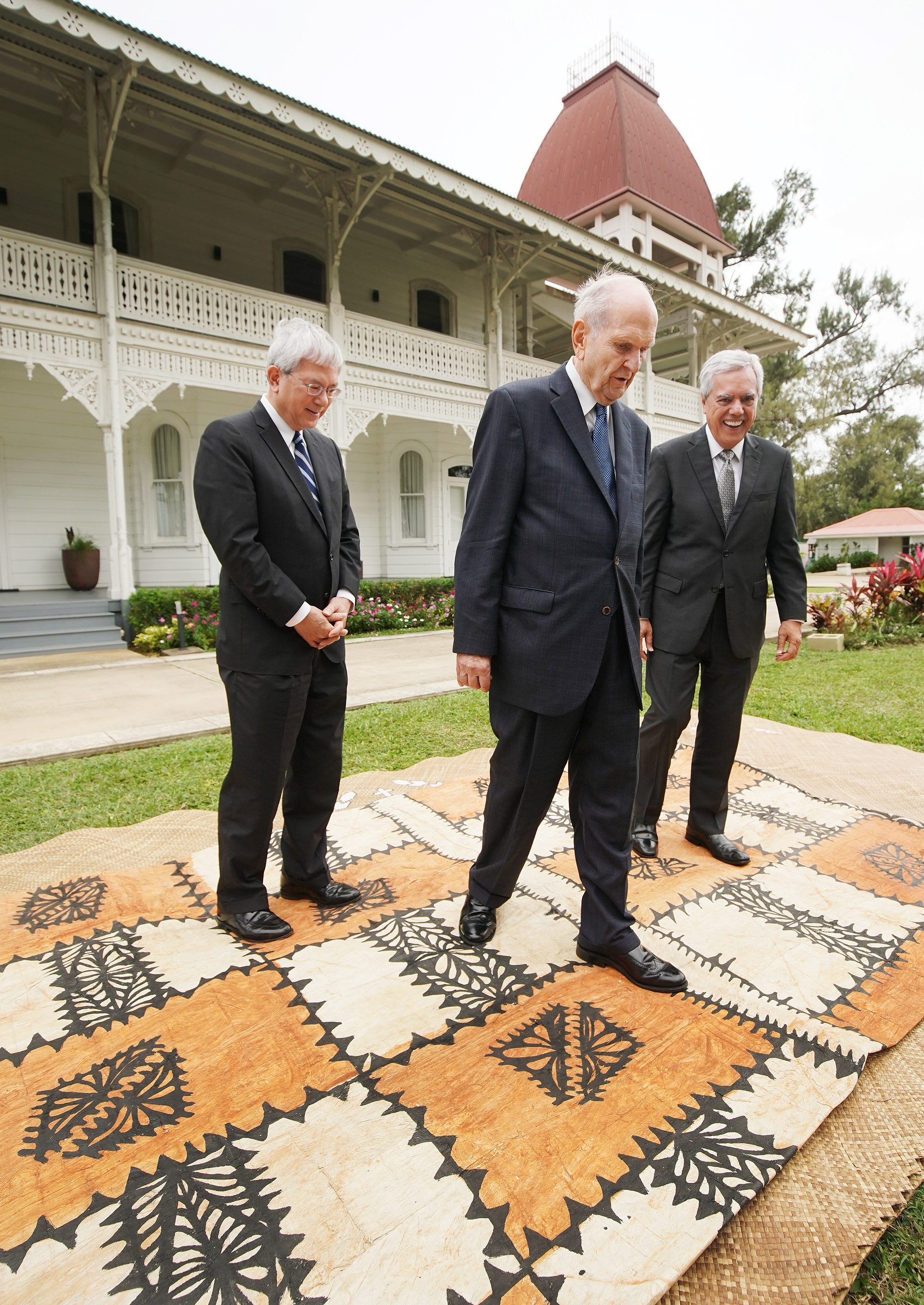 President Russell M. Nelson of The Church of Jesus Christ of Latter-day Saints, Elder Gerrit W. Gong of the Quorum of the Twelve Apostles and Elder O. Vincent Halleck leave the Royal Palace after meeting with 'Aho'eitu Tupou VI, King of Tonga, in Tonga on May 23, 2019.