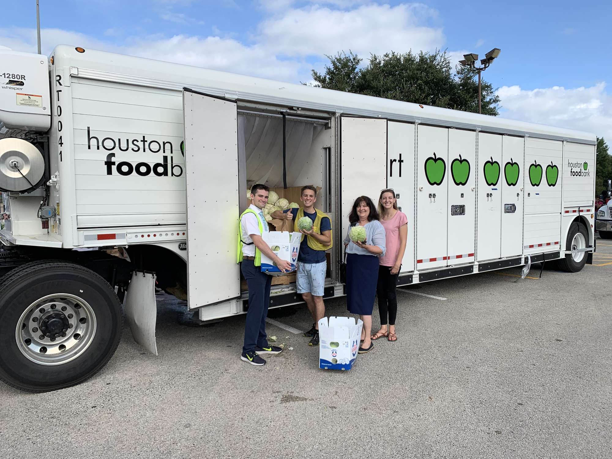 The Houston Foodbank and missionaries prepare for Kashmere Gardens project.