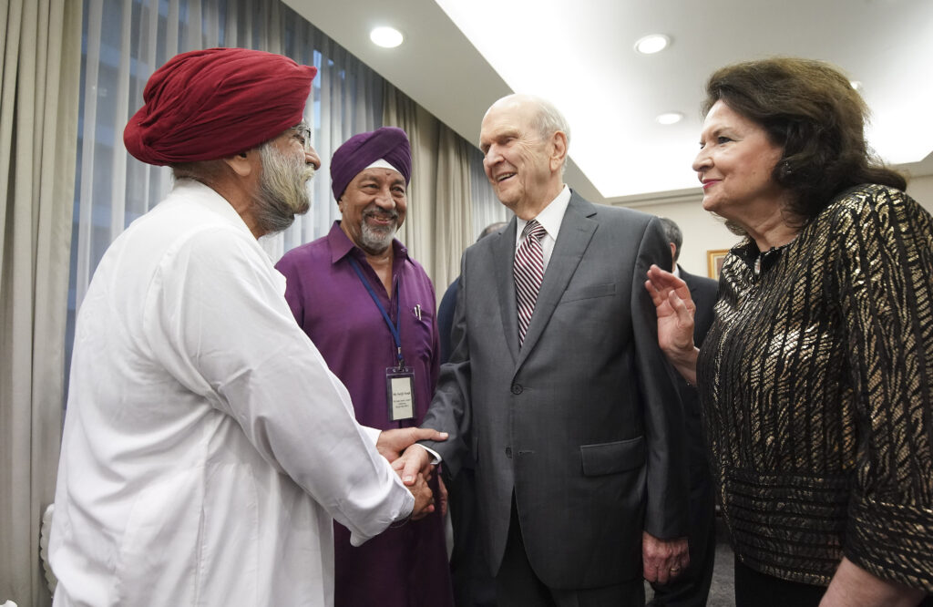 President Russell M. Nelson of The Church of Jesus Christ of Latter-day Saints, and his wife, Sister Wendy Nelson, meet Sri Guru Sabba Temple leaders Harban Singh and Sarjit Singh in Singapore on Nov. 20, 2019.