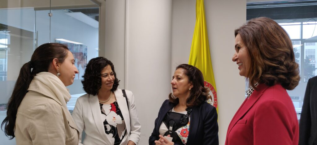 From left to right: Patricia Narvaez Cano, Colombian Migration Affairs Advisor; Sister Reyna I. Aburto, second counselor in the Relief Society general presidency; Angela Ospina de Nicholls, Colombian Presidential Agency of International Cooperation general director; and Sister Lisa L. Harkness, first counselor in the Primary general presidency, talk following a meeting with Church leaders and government officials in Columbia in November 2019.