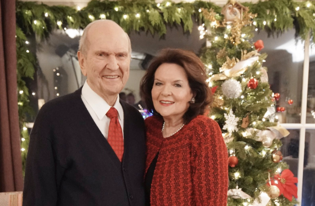 President Russell M. Nelson and his wife, Sister Wendy Nelson in front of their Christmas tree in December 2019.
