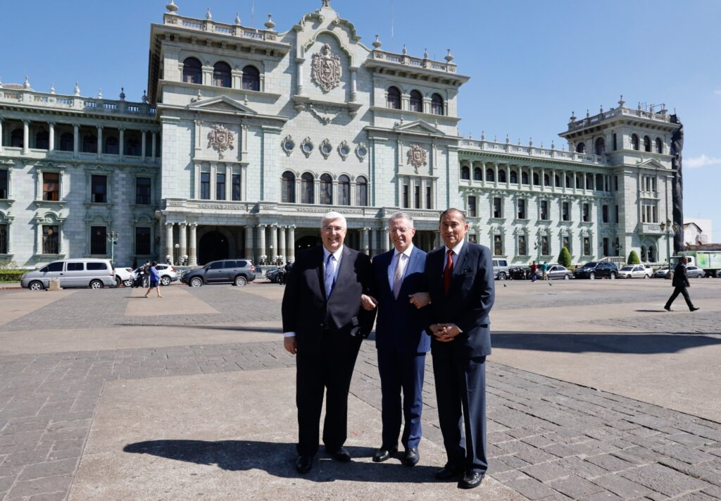Elder Ulisses Soares of the Quorum of the Twelve Apostles (center), Elder José A. Teixeira of the Presidency of the Seventy (left) and Elder Juan A. Uceda of the Seventy (right) arrive at the Guatemala National Palace in Guatemala City for a historic meeting with Guatemalan President Alejandro Giammattei on Tuesday, Feb. 11, 2020.