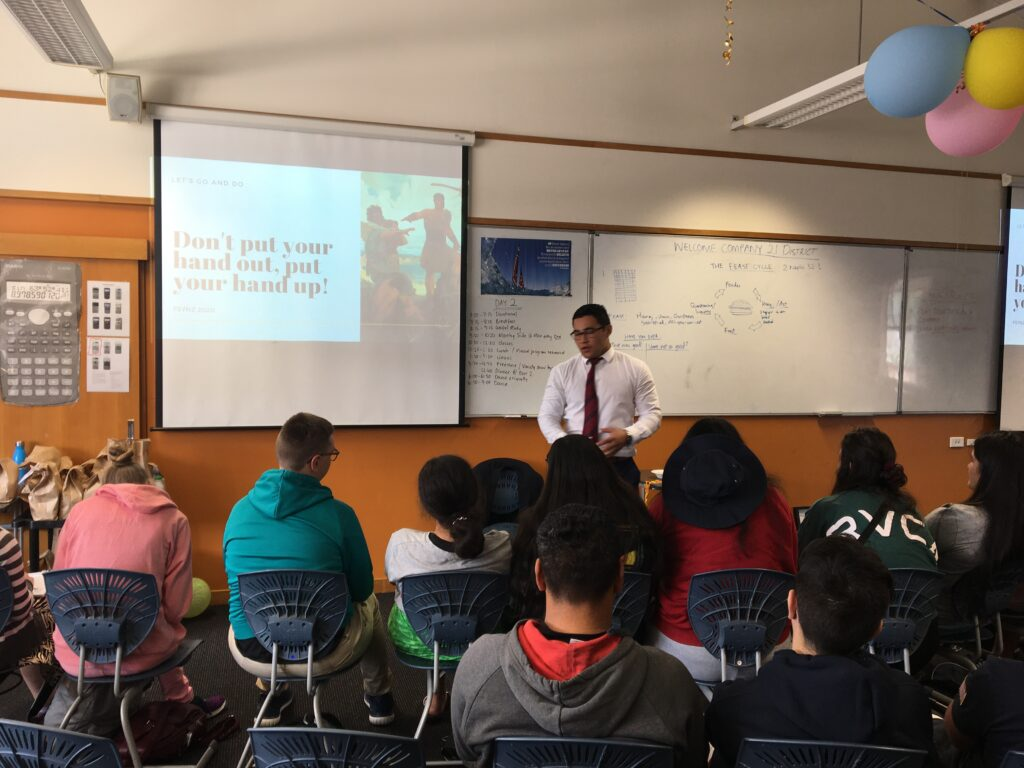 Awanui Morris teaches a class at an FSY conference in New Zealand.