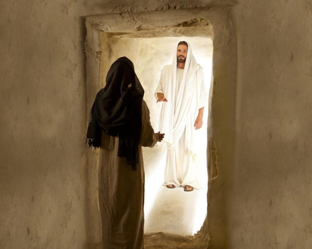 Una imagen de los videos de la Biblia muestra a María Magdalena hablando con Jesucristo después de su resurrección.