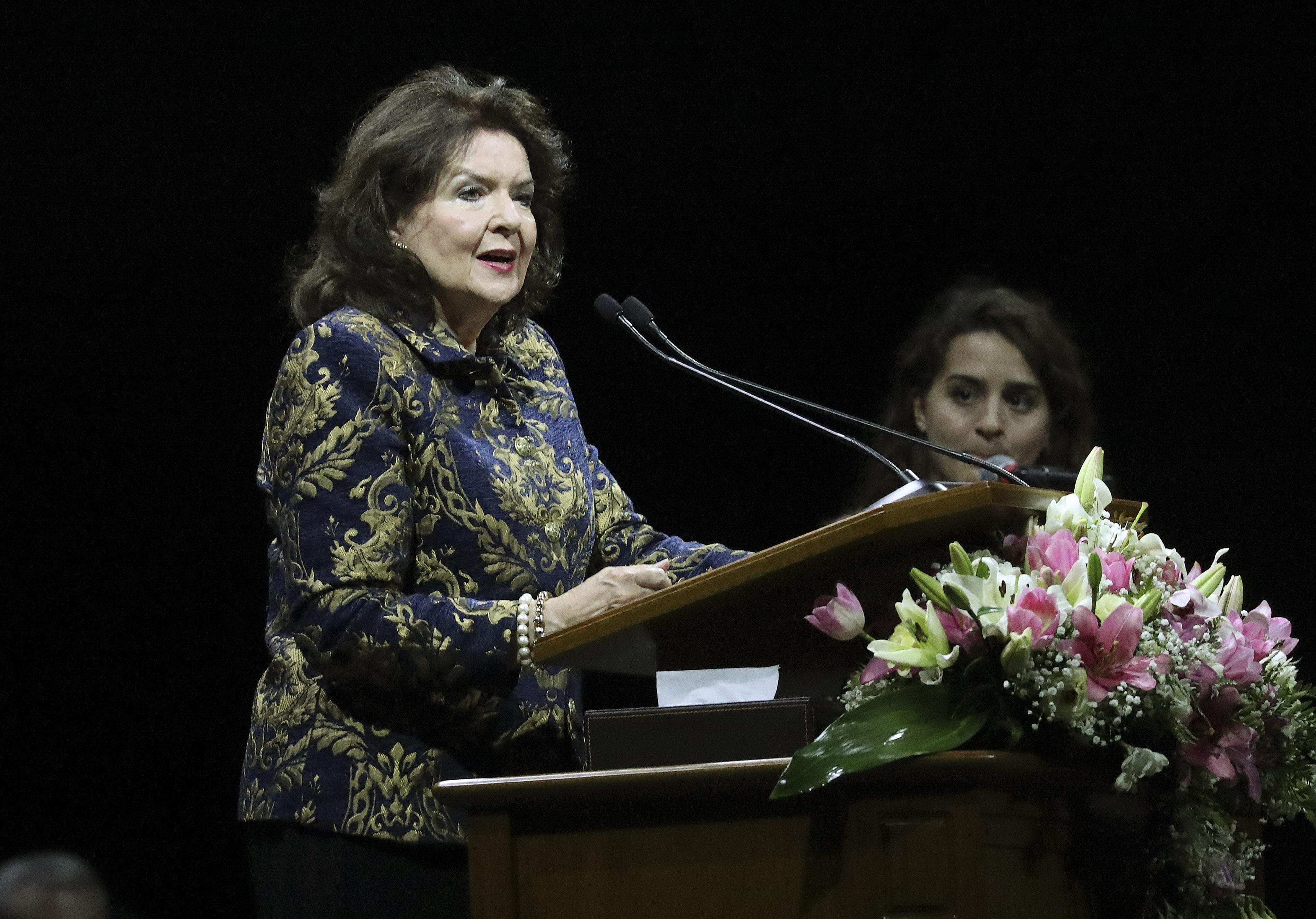 Irmã Wendy Nelson discursa no devocional em Buenos Aires, Argentina, na quarta-feira, 28 de agosto de 2019.