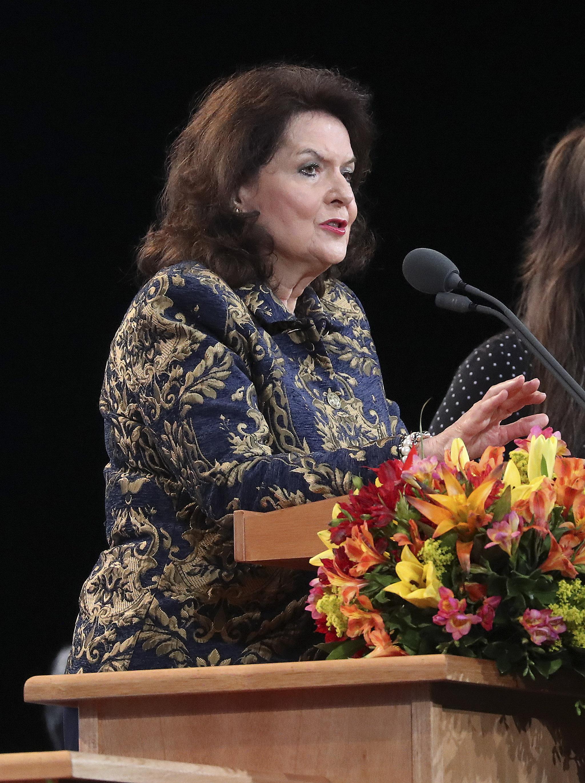 A irmã Wendy Nelson fala durante um devocional em São Paulo, Brasil, no domingo, 1º de setembro de 2019.