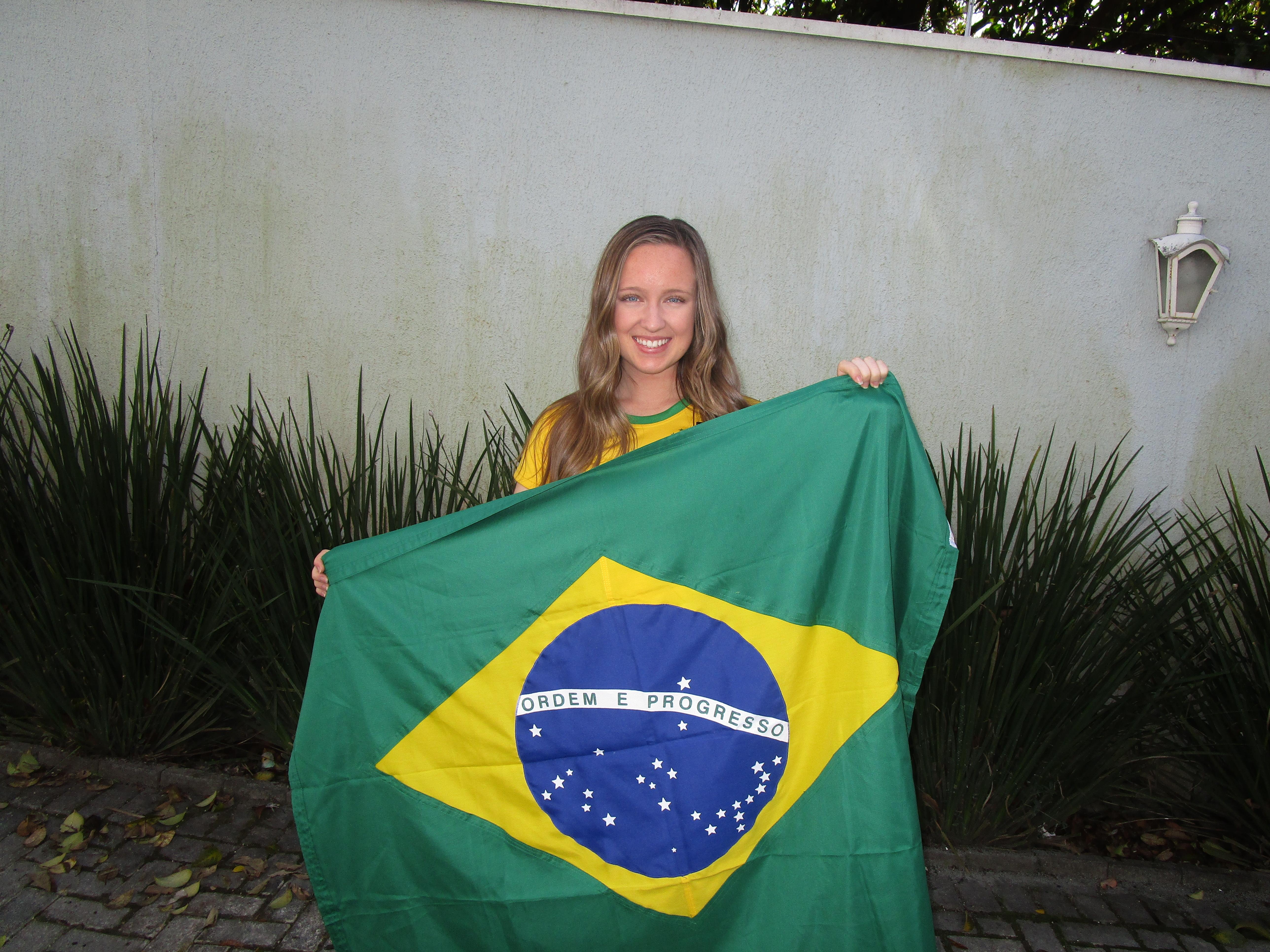 Monique McDown na missão em Curitiba, Brasil.