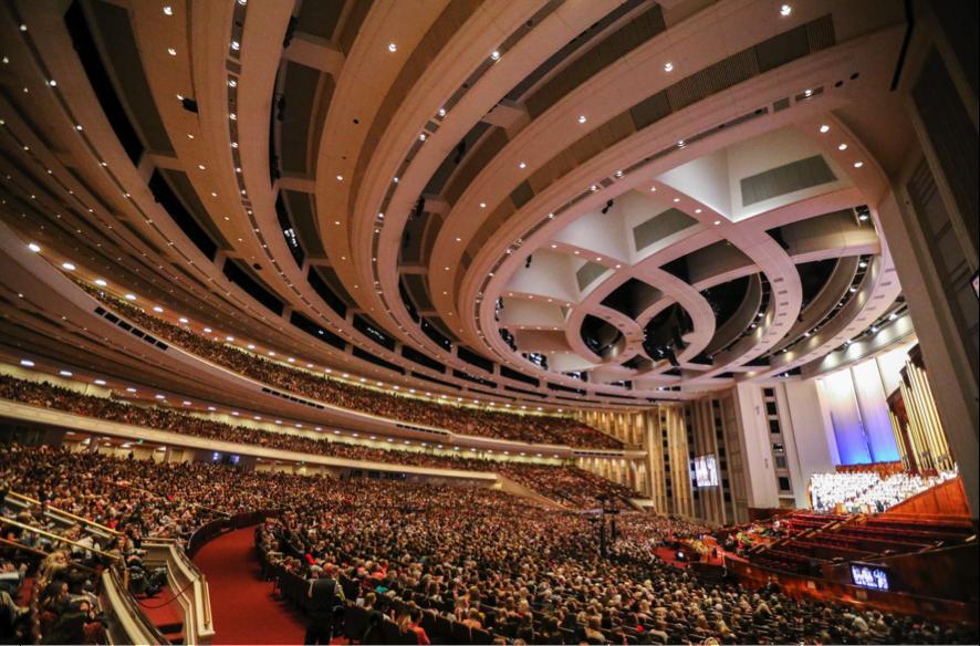 Uma multidão de mulheres lota o Centro de Conferências durante a sessão das mulheres na 189ª Conferência Geral Semestral de A Igreja de Jesus Cristo dos Santos dos Últimos Dias em 5 de outubro de 2019.