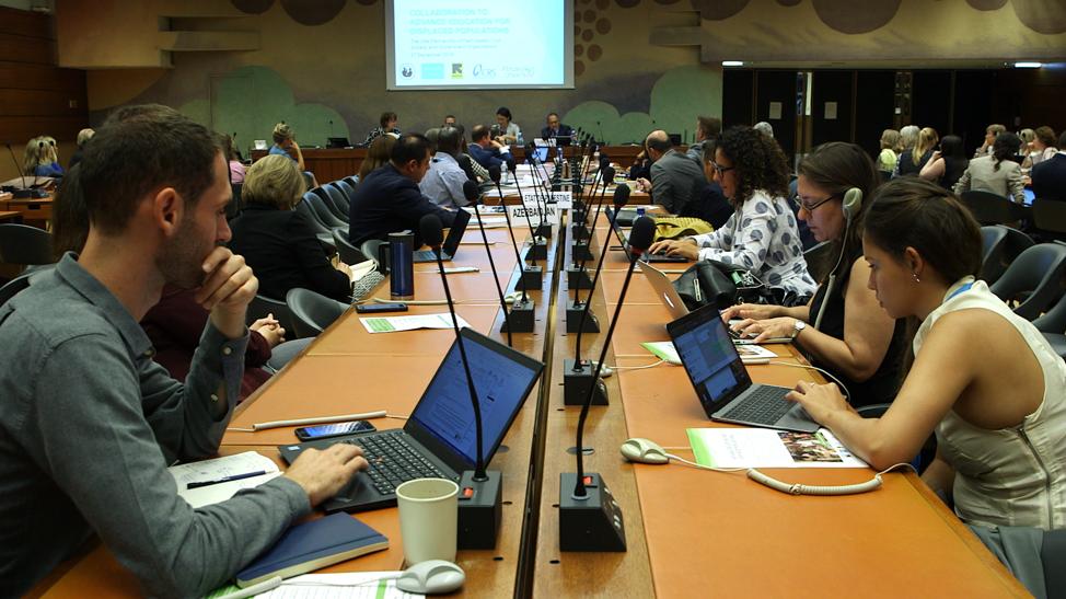 Uma audiência escuta ao painel de discussão na ONU, em Genebra, na terça, dia 17 de setembro, 2019. O evento foi organizado pelos Serviços Humanitários Santos dos Últimos Dias.