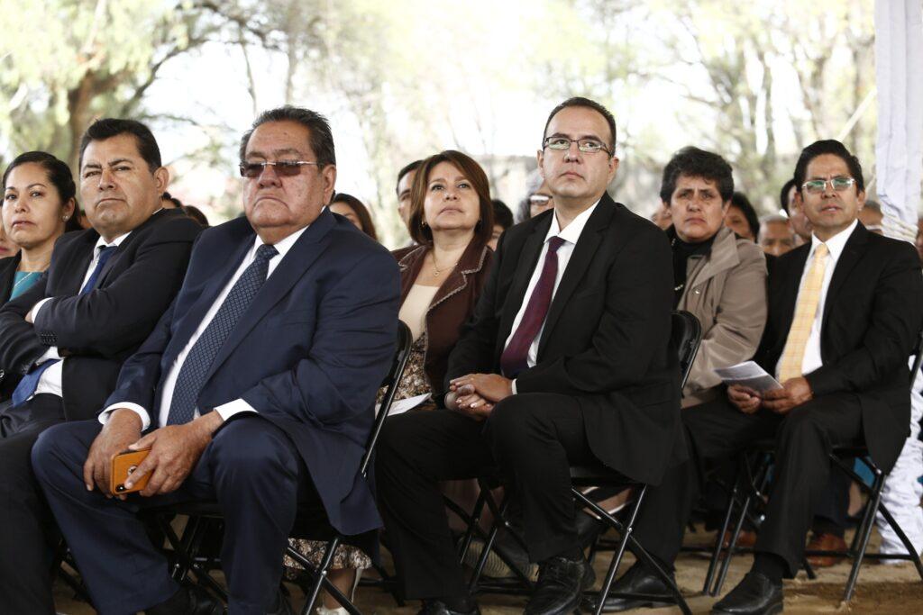 Santos dos Últimos Dias no México reúnem-se para abertura de terra do Templo de Puebla México no sábado dia 30 de novembro, 2019.