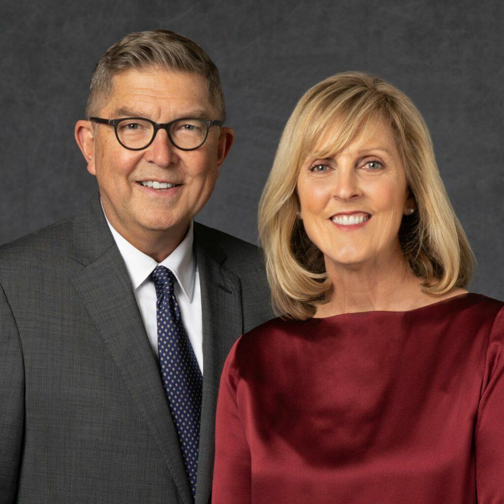 C. Michael e Jeanne Hansen