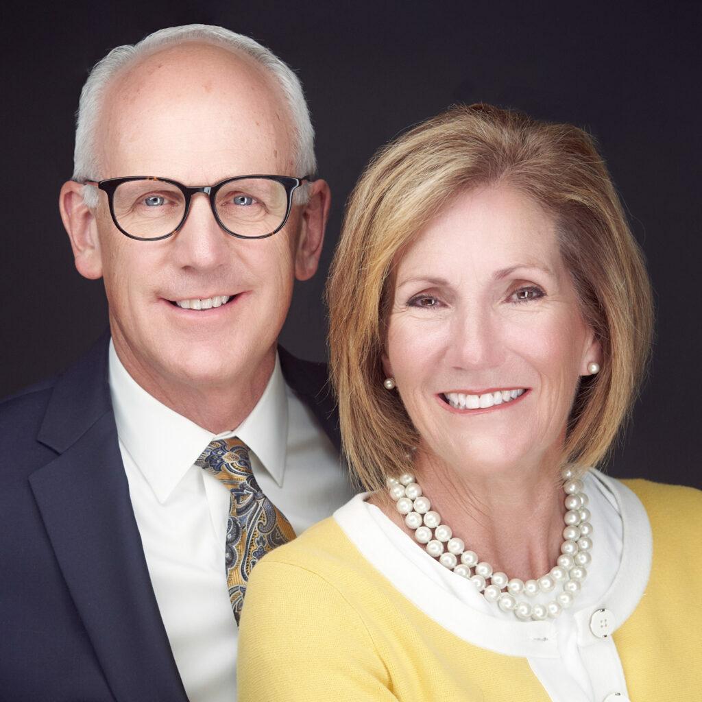 Timothy F. e Lou Ann L. Pingree