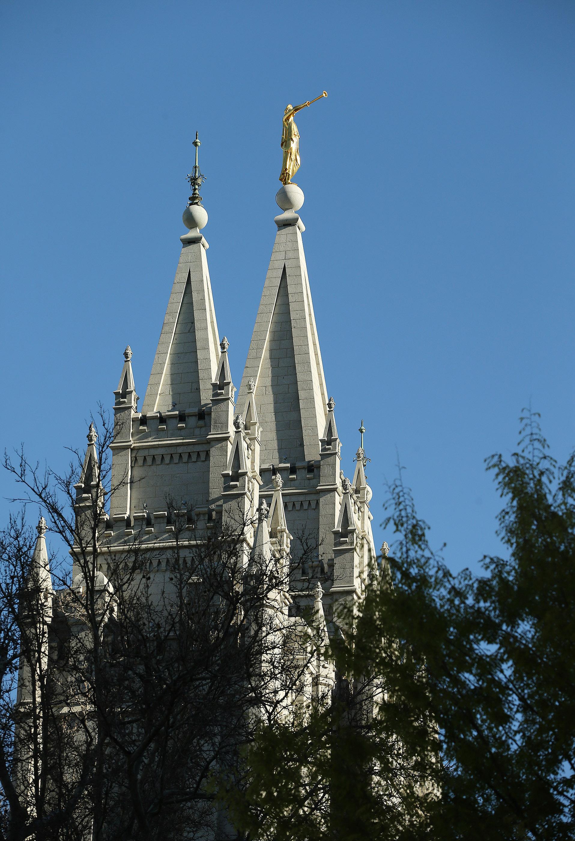 El Templo de Salt Lake en Salt Lake City el viernes 19 de abril de 2019. Los oficiales de la Iglesia de Jesucristo de los Santos de los Últimos Días anunciaron los planes de renovación para el templo y sus jardines.
