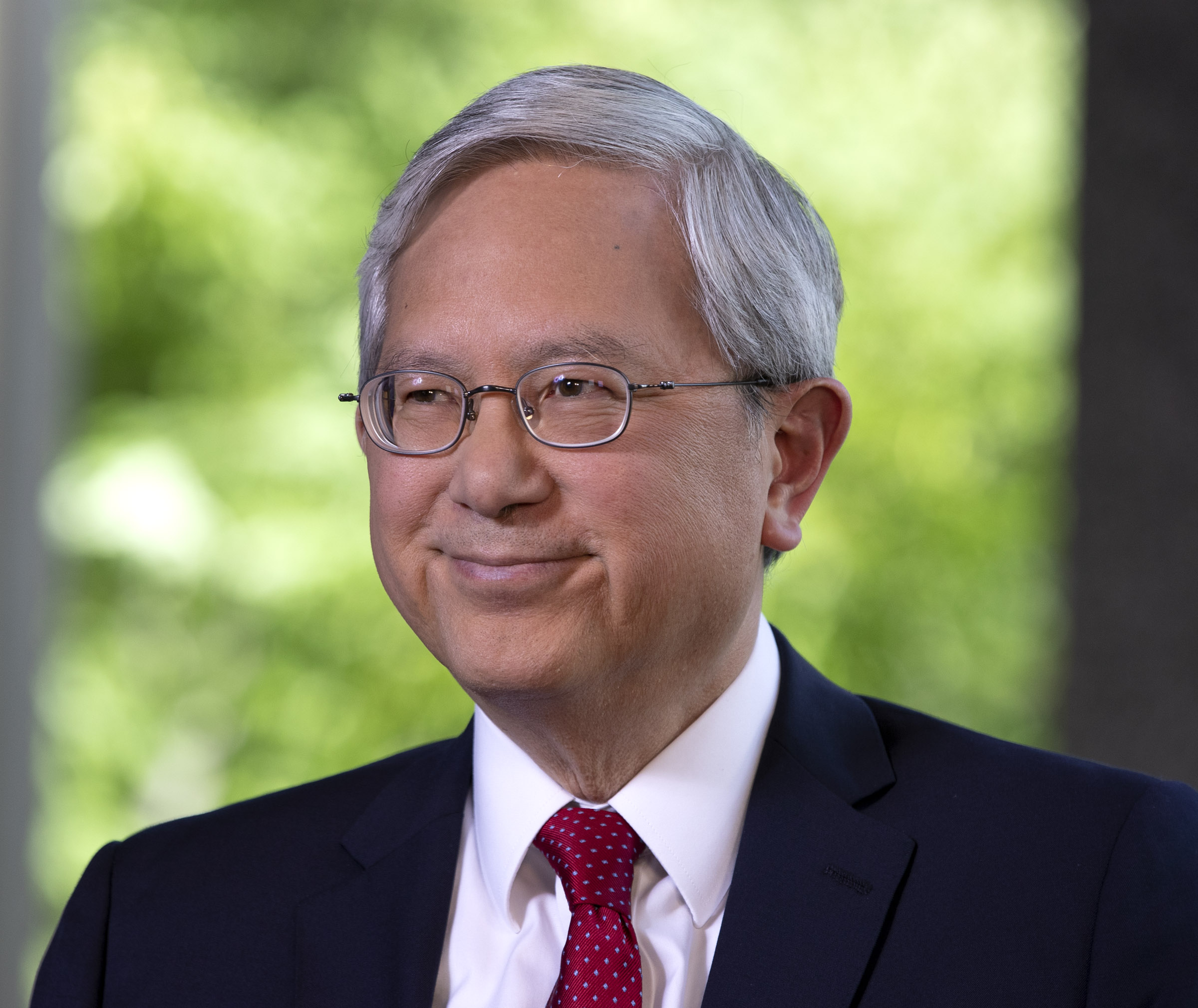 El élder Gerrit W. Gong responde preguntas durante una entrevista en el Centro de Visitantes del Norte en Temple Square en Salt Lake City el jueves, 28 de junio de 2018.