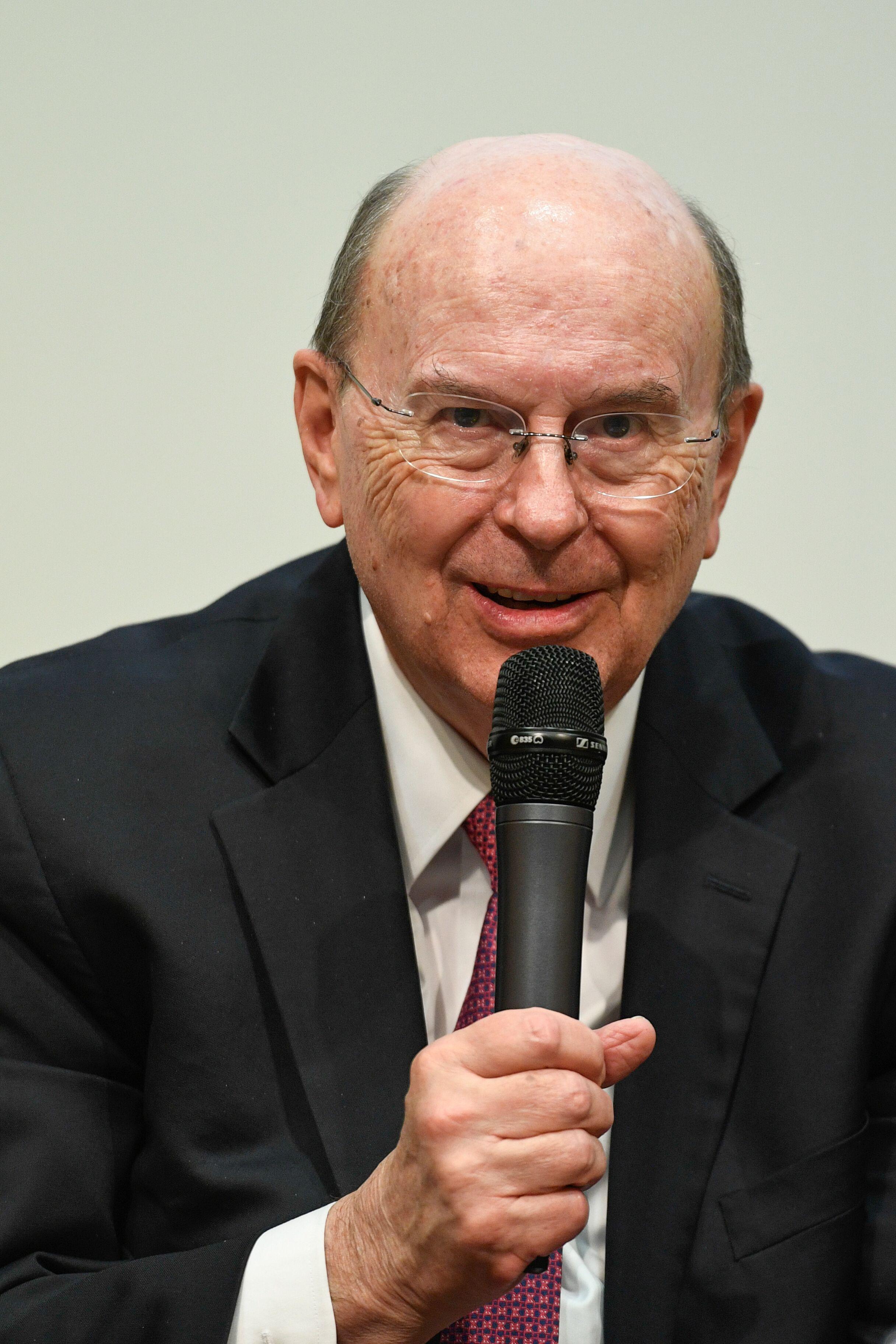 El élder Quentin L. Cook, del Cuórum de los Doce Apóstoles, se dirigió a los estudiantes, profesores, personal e invitados en el Pembroke College de la Universidad de Oxford, en Oxford, Inglaterra, el 23 de octubre de 2019.