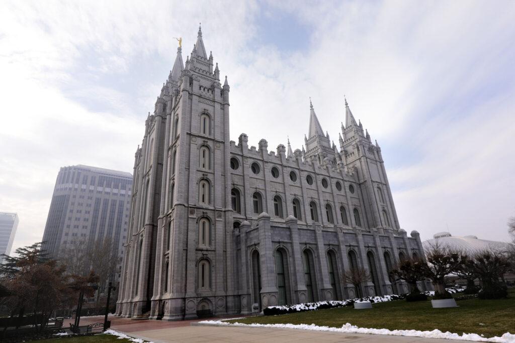 El Templo de Salt Lake es fotografiado en Salt Lake City el miércoles, 4 de diciembre de 2019.