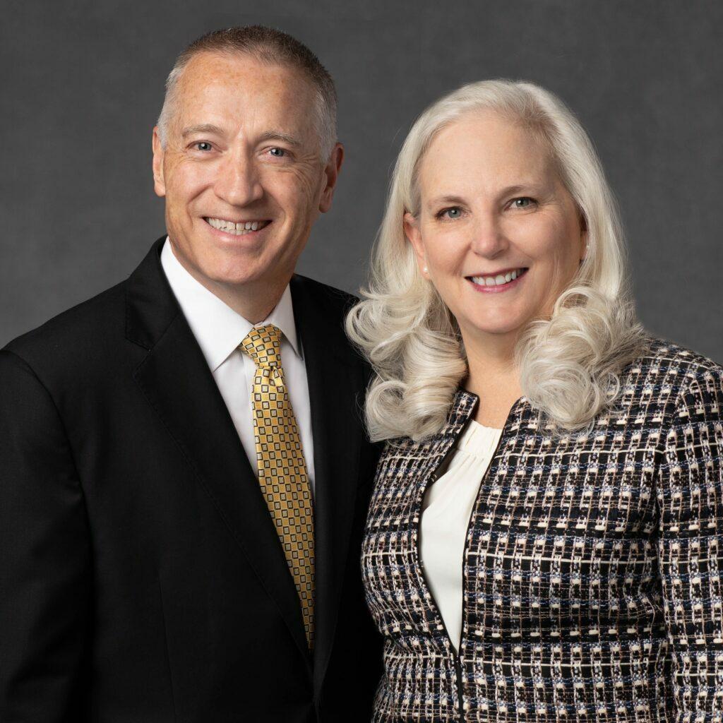Troy D. y Jill J. Larkin