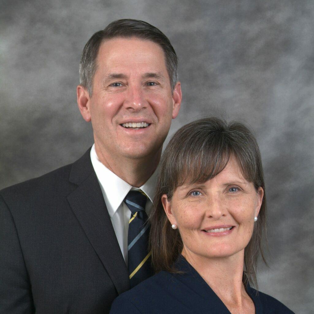 C. Tom y Jennie Carter