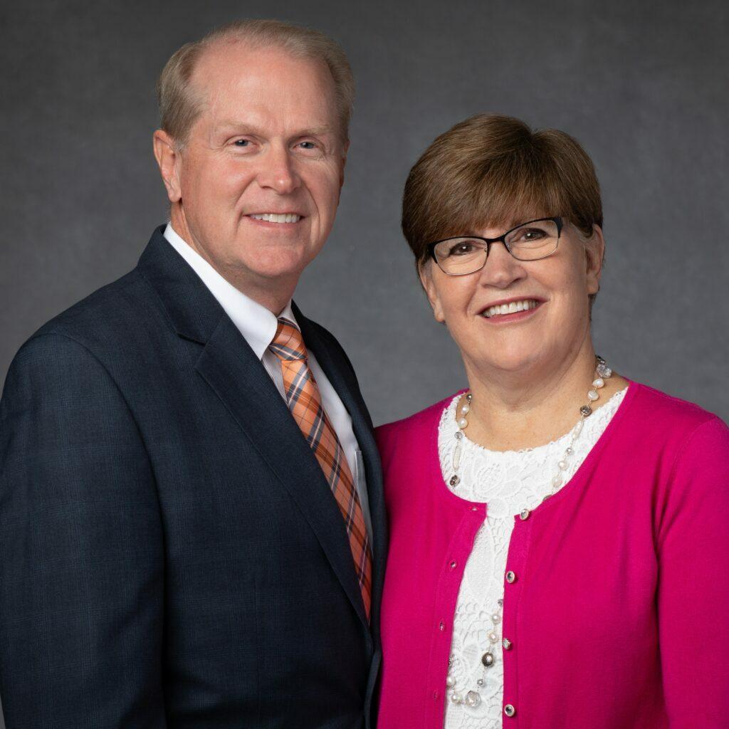 Russell M y Kay Lynn Larsen
