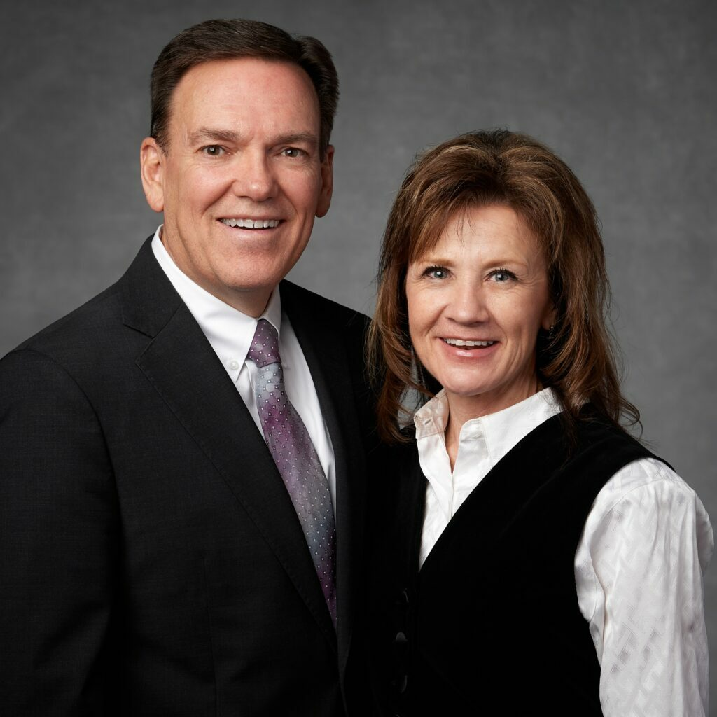 Bradley J. y Linda Waddoups